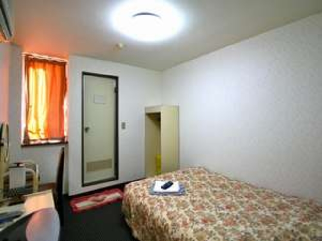 本館温泉ユニットバス付きのシングル客室例