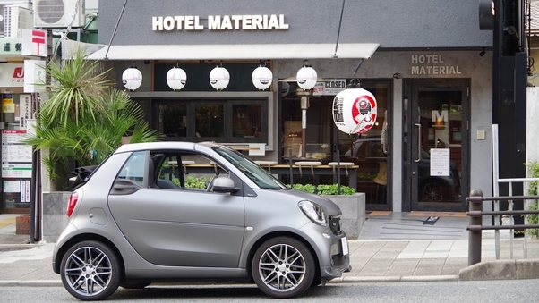 オープンカーで京都を満喫しよう!レンタカー付きのツインルーム