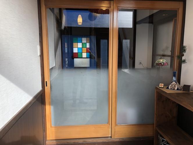暑さ寒さを防ぐ扉を設置