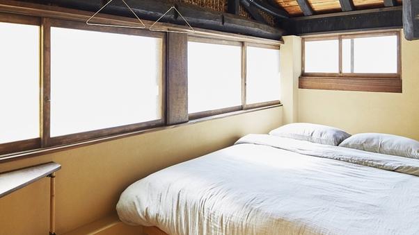 個室(ダブルルーム・1〜2名様)※天井吹き抜け