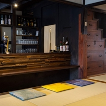 共用スペース・畳座/バーカウンター