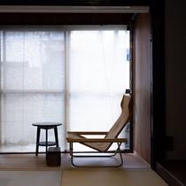 共用スペース・畳座/ラウンジチェア(ニーチェア)