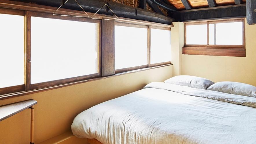 ・個室:クィーンベッドでゆったりお休みいただけます