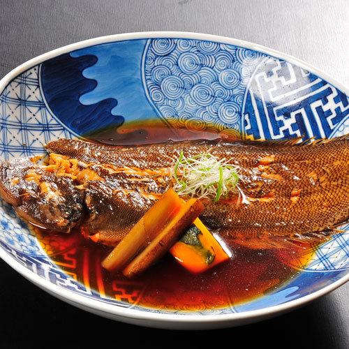【口底の煮付け】有明海の定番料理。身が締まっており、旨味・甘みがギュッと詰まっています。