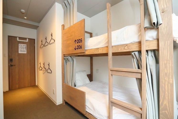個室 二段ベッド付 大人6名用 2階