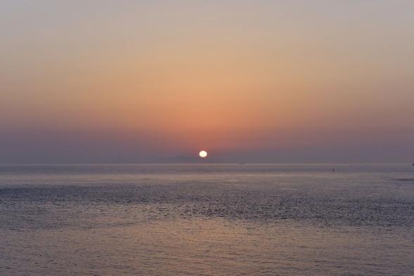 【全室オーシャンビュー】1泊朝食付プラン〜水平線から昇る朝日を眺めながら〜