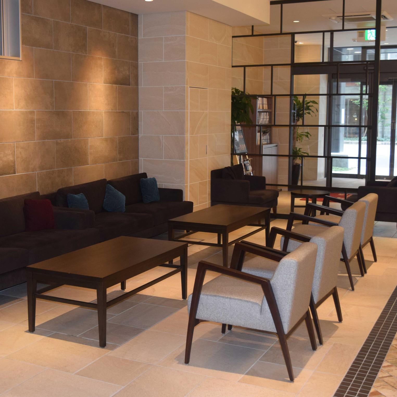 【ホテル・施設】1階ロビー、アーリーアライバルラウンジです