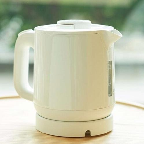 【客室・備品】電気ケトルでお湯も沸かせます