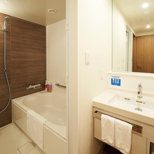 【客室・お風呂】独立式バスルーム(デラックスツインルームのみ)