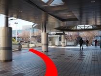 ◆新浦安駅「D」のりば案内5◆スロープ方向へ進む