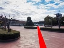 ◆シーのバスのりば道順1◆サウスゲートを出て右斜めに進む