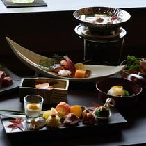 お二人の楽しいひとときを想いながら作る、彩り豊かなお料理をぜひ味わいくださいませ。