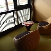 淡海:こちらのお部屋も全面窓になっていて、解放感たっぷりの明るいお部屋となっております。