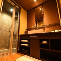 淡海:お市を除く全室にシャワールーム完備。タイル張りの高級感あふれるおしゃれなシャワールーム。