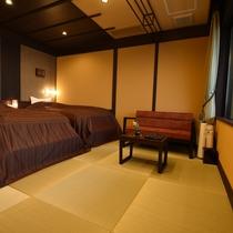 お市:お部屋は、畳敷きになっており、ほっこり、おくつろぎ頂けるようなお部屋になっております。
