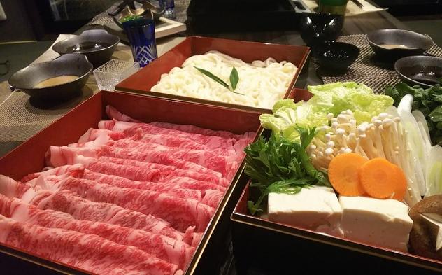 【夕食付】プライベート空間で味わえる!京都の食材で仕上げる、すき焼きをお届け。