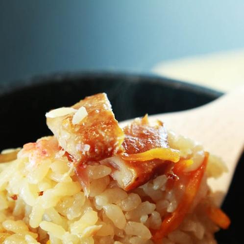 *ふわりと香る「金目鯛釜飯」