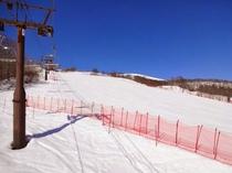 【山頂へ③】少し滑ってリーゼンクワッドに乗車します。