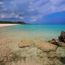 地元では有名ながらも人でにぎわうことの少ない隠れたビーチです。