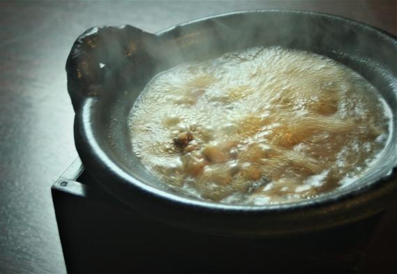 世界中のVIPを魅了【すっぽん料理大市の夕食付】極上の「〇鍋コ−ス」カード決済限定・キャンセル不可