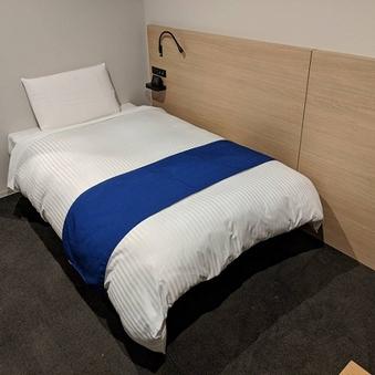 シングル【禁煙】ベッド幅110cm×1台