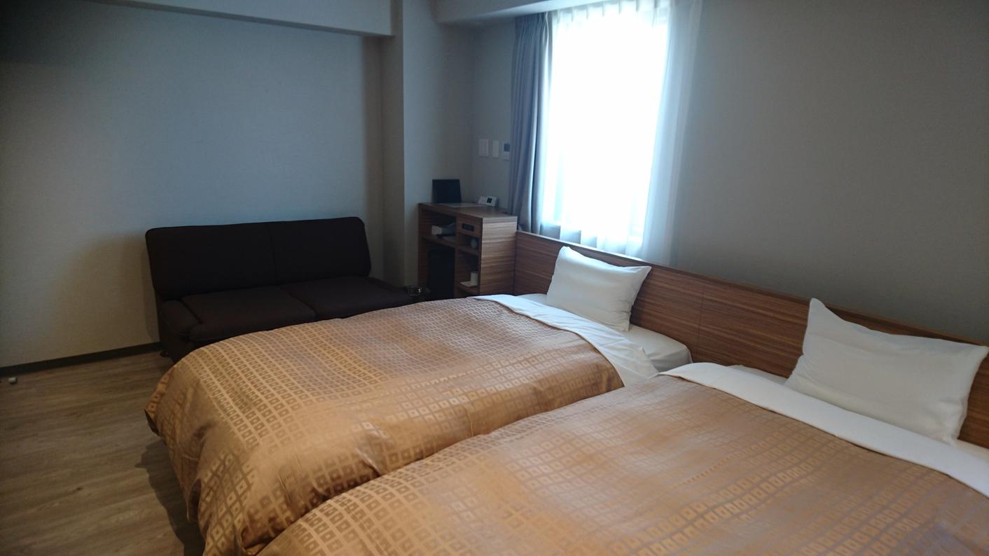 ツインルーム 室内面積:25平米 ベッド幅:110cm2台