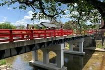 中橋 宮川にかかる高山のシンボル的な赤い橋