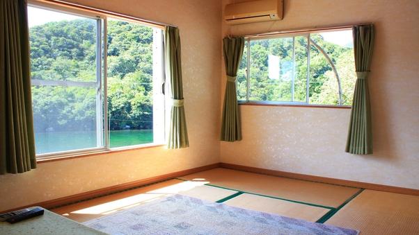 安房川を眺める【和室6畳】
