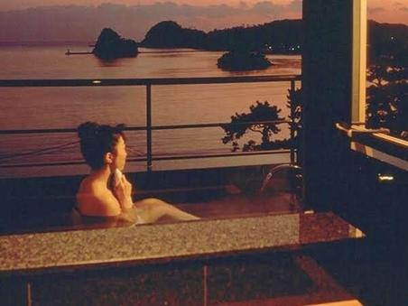 専用露天風呂付客室(12畳・海側)