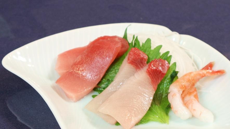 *[夕食一例]家栽培野菜をはじめ、妙高で育った地元食材をふんだんに使った手作り料理