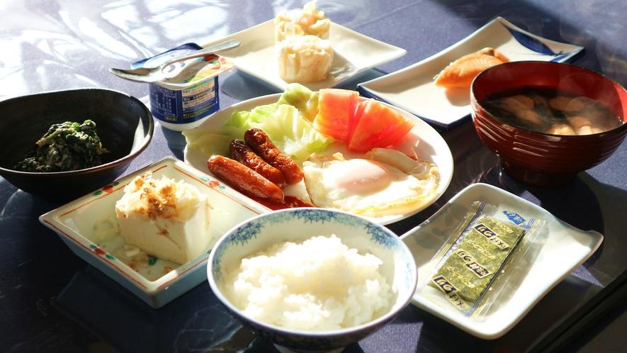 *[朝食一例]和食を中心とした朝ごはんをご用意致します