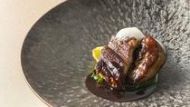 【お食事】水郷で栄えた佐原で根付いた鰻を食べる文化。当ホテルではフレンチで。