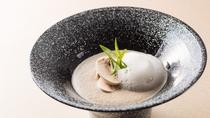 【お食事】特産の「芳源マッシュルーム」を使用した、濃厚で香りたっぷりのスープ