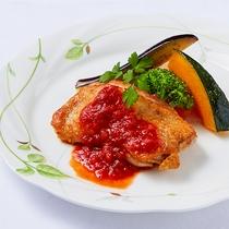 *[夕食一例/グリルチキントマトソース]選べるメインのディナーコース