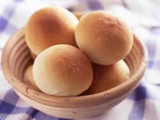 店内で焼いたパン