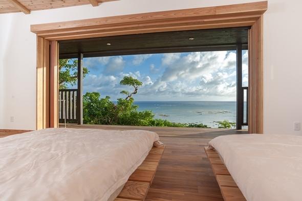 空・森・海・カフェ 総敷地面積6400坪 ここは、沖縄の贅沢を凝縮した場所。棟内は広々とした開放居室
