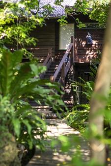 山の小屋 沖縄の自然をより身近に感じる非日常空間