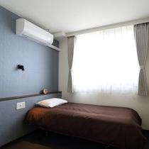 新館シングル2名利用可:ゆったりした広さでおふたりのご利用でも可能なシングルベッドのお部屋です。
