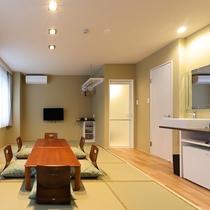 新館和室:6名様まで可能な和室。お布団対応・畳なので小さいお子様連れや年配のお客様におすすめです。