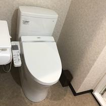 新館シングル:全室に洗浄機付トイレを完備しています。