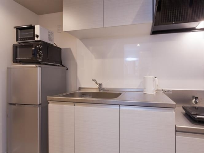 キッチンには各種調理器具完備