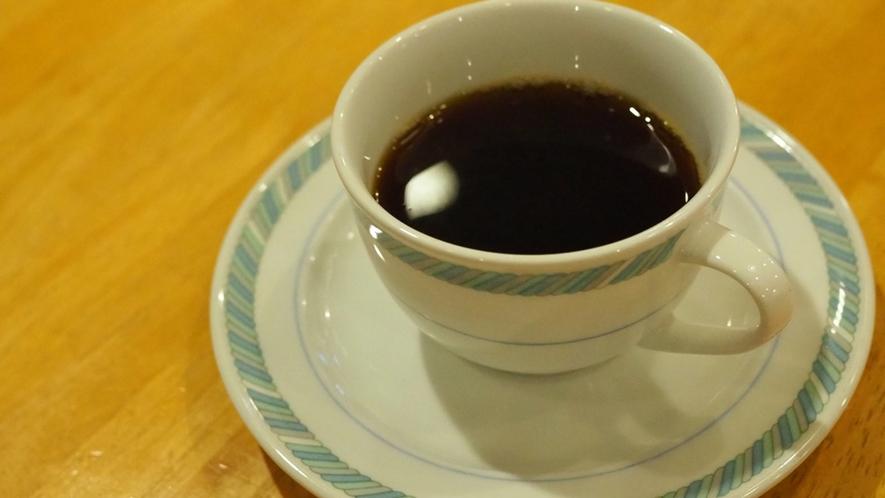 【朝食】バイキングでお腹が膨れた後は、お仕事前のコーヒーでほっとひといき。