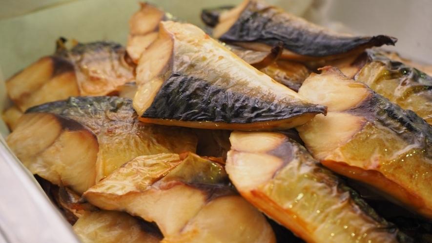 【朝食】栄養豊富な鯖の焼き魚!ご存知でしたか?夜より朝に食べたほうが、健康効果が高いのです♪