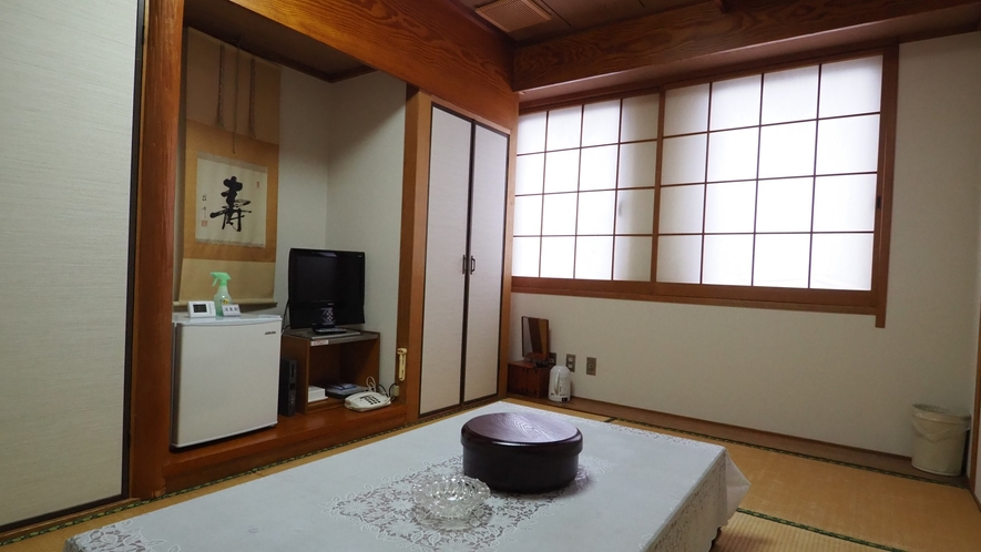 【和室】ご家族やお仲間同士で、気兼ねなくお過ごしできるような和室もご用意しております。