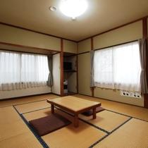 【客室】8畳(しゃくなげ)