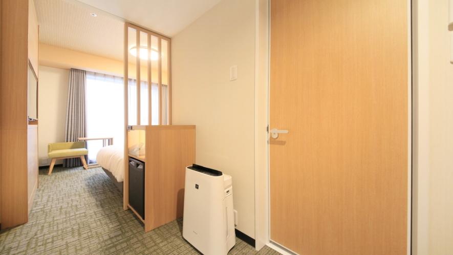 全客室に加湿機能付き空気清浄機をご用意しております。