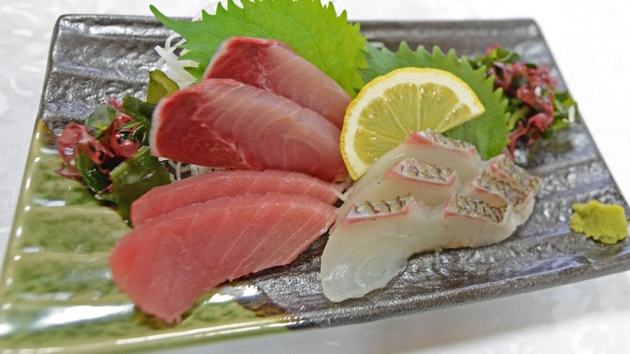 *【夕食一例】新鮮なお魚をお刺身でどうぞ~♪