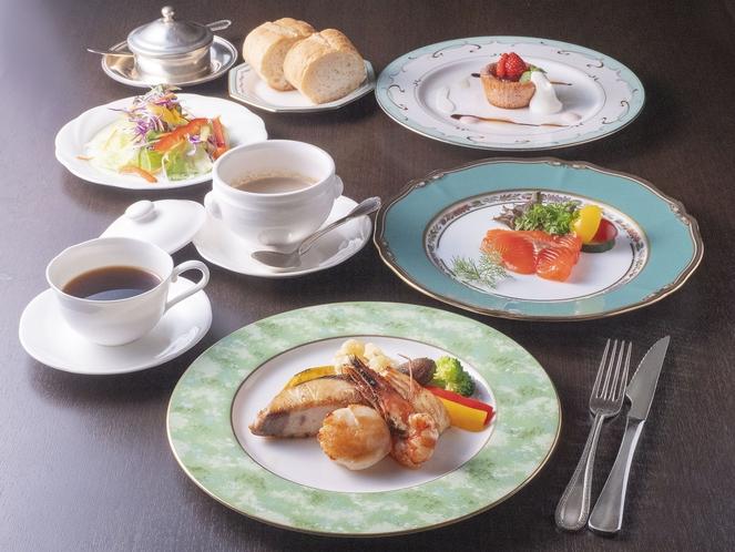 洋食 スタンダードディナー(魚介)
