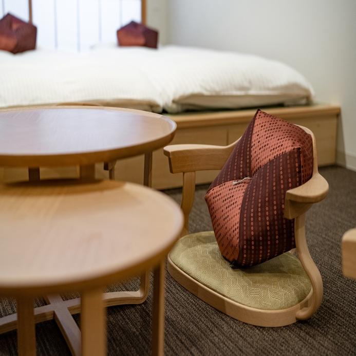 【和室】名門カンディハウス社の座椅子COHAN/高い安楽性と快適な姿勢をサポート