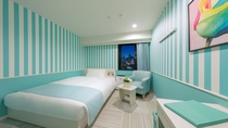 スタンダードシャワーA ベッドサイズはダブルサイズで広々140センチ幅。